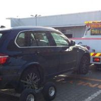 Transport auto cu roti rupte/blocate, chei pierdute, cutii de viteza blocate etc.